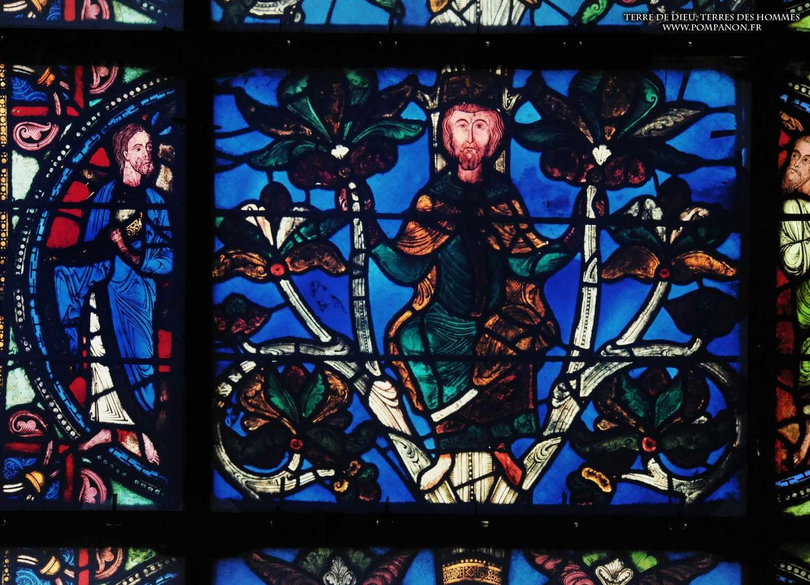 Les vitraux  du XIIIéme siècle . 5043eefcb29ed