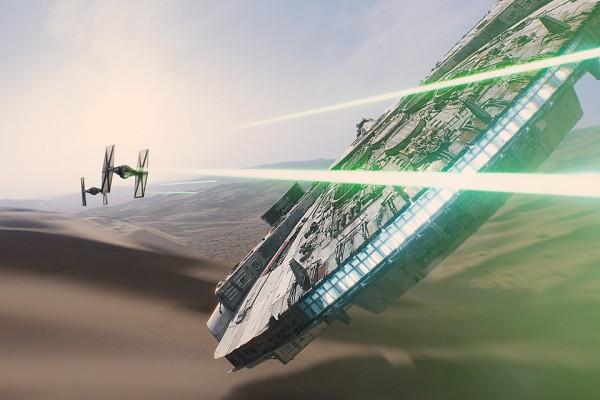 BANDAS SONORAS (Score / Instrumental) - Página 15 Star-Wars-The-Force-Awakens-Tie-Fighter-Millennium-Falcon-Big-e1450308314939