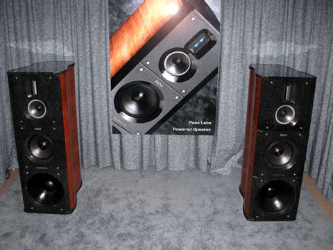 "Clube 15"" 071_Pass_Labs_powered_speakers"