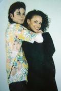 Immagini donne e presunte amanti di Michael - Pagina 9 Pqb0m00