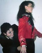 Immagini donne e presunte amanti di Michael - Pagina 9 Pqb0vZA