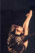 Stella Sultanova - Page 2 AV2BKnhr