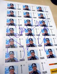 Verlosung: Signierte Briefmarken zu gewinnen Briefmarkenbogen_SandraKiriasis_posttip