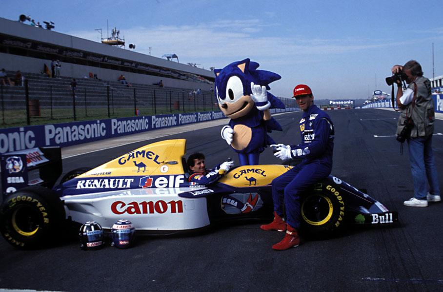 Quand Sega sponsorise une écurie de Formula One Sonic_formula08