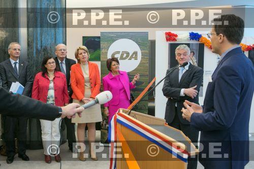 La reina Beatrix y su familia PPE13042330