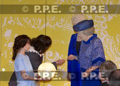 La reina Beatrix y su familia PPE13042410
