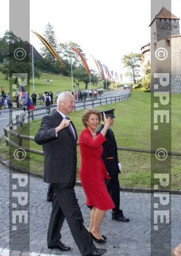 Casa de Liechtenstein - Página 3 PPE09081544