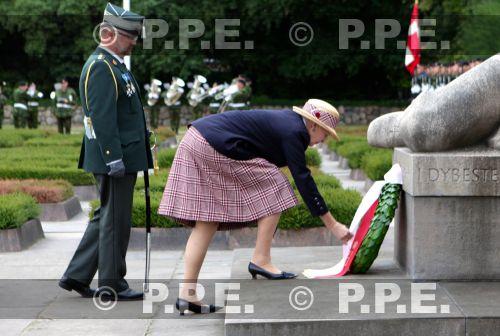 Margarita y Enrique de Dinamarca - Página 21 PPE13082934