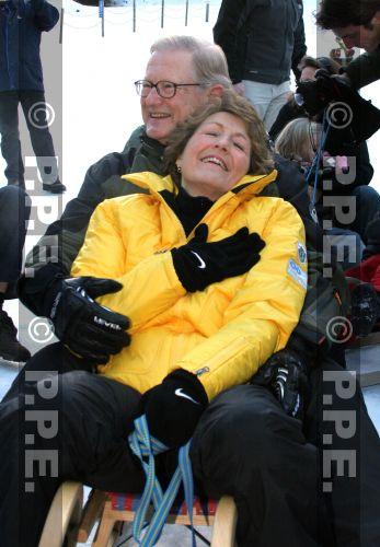 La reina Beatrix y su familia - Página 2 07011344