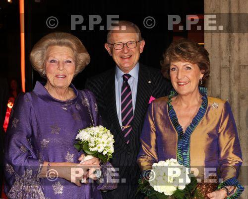 La reina Beatrix y su familia - Página 2 08011901