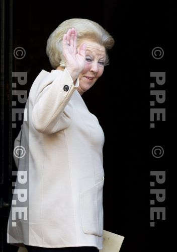 Princesa Beatrix Wilhelmina Armgard van Oranje-Nassau PPE13061803