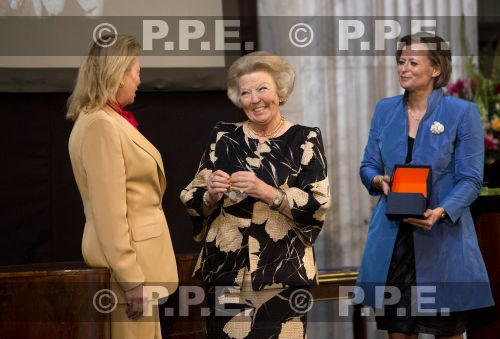 Princesa Beatrix Wilhelmina Armgard van Oranje-Nassau PPE13061835