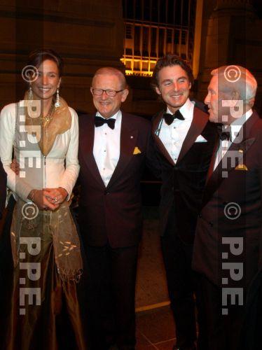 La reina Beatrix y su familia - Página 2 07111605