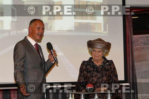 Princesa Beatrix Wilhelmina Armgard van Oranje-Nassau - Página 2 PPE13110540
