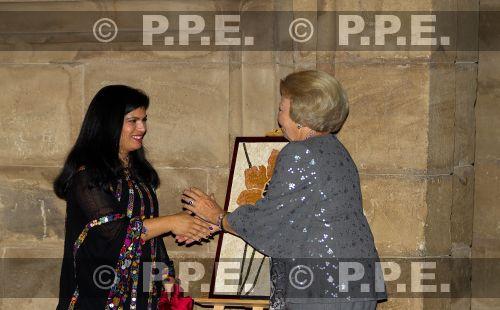 Princesa Beatrix Wilhelmina Armgard van Oranje-Nassau - Página 2 PPE13100863