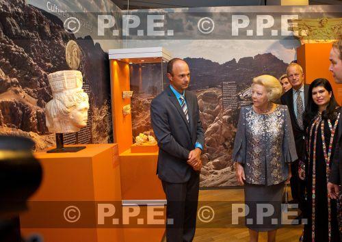 Princesa Beatrix Wilhelmina Armgard van Oranje-Nassau - Página 2 PPE13100866