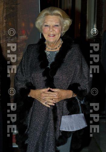 Princesa Beatrix Wilhelmina Armgard van Oranje-Nassau - Página 2 PPE13100872