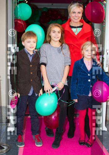 La reina Beatrix y su familia - Página 4 PPE13103021