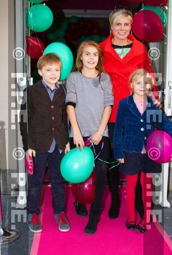 La reina Beatrix y su familia - Página 4 PPE13103030