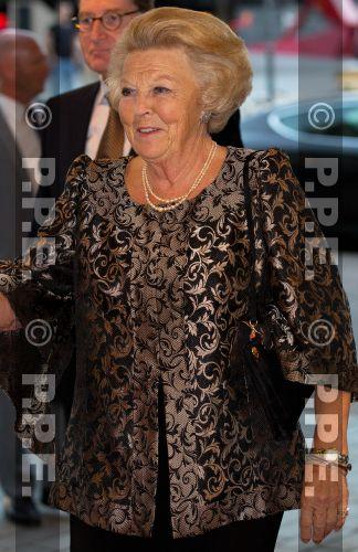 Princesa Beatrix Wilhelmina Armgard van Oranje-Nassau PPE13090547