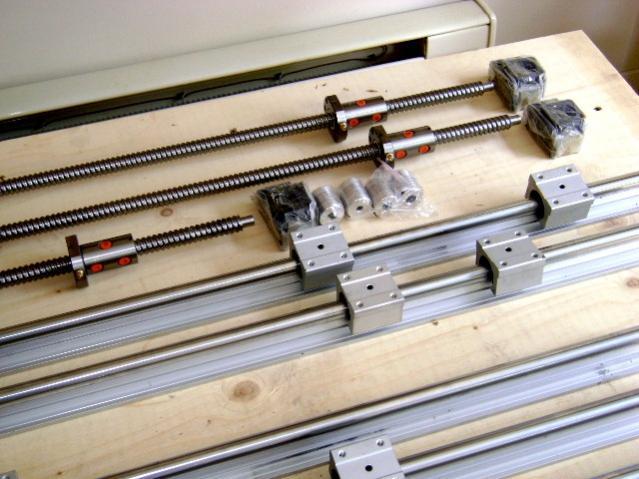[Maintenance] Quel lubrifiant pour rails et roulements ? 52524d1337722485-ball-screw-pillow-blocks-1g-linear-guides-ball-screws