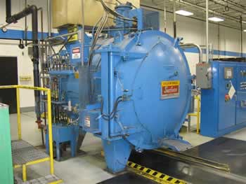 Vakuumske peci Vacuum_furnace2