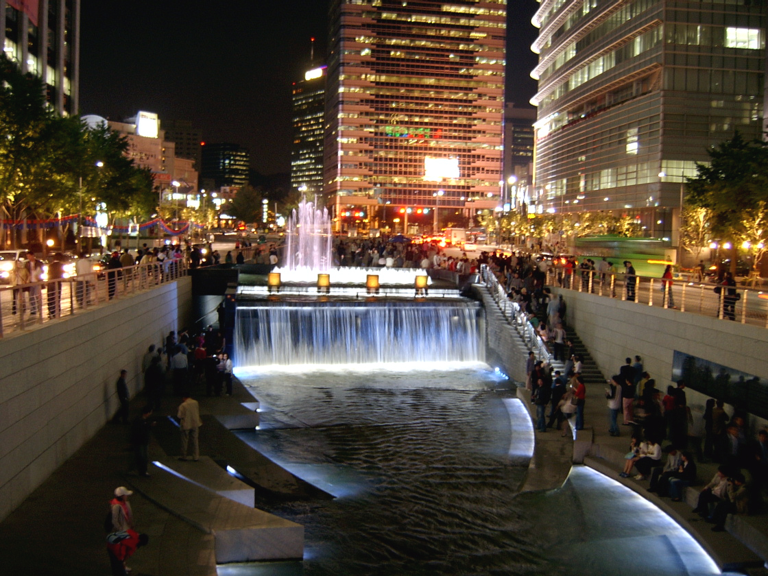 What is this? Game Seoul_Cheonggyecheon_night