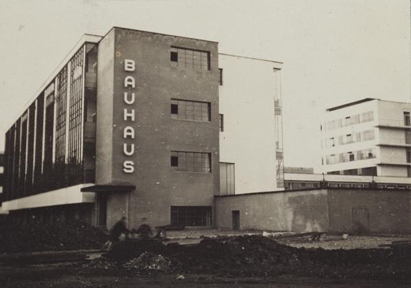 stowa - [REVUE] Stowa Antea Small Second : l'horlogerie à l'heure du Bauhaus Bauhaus_07