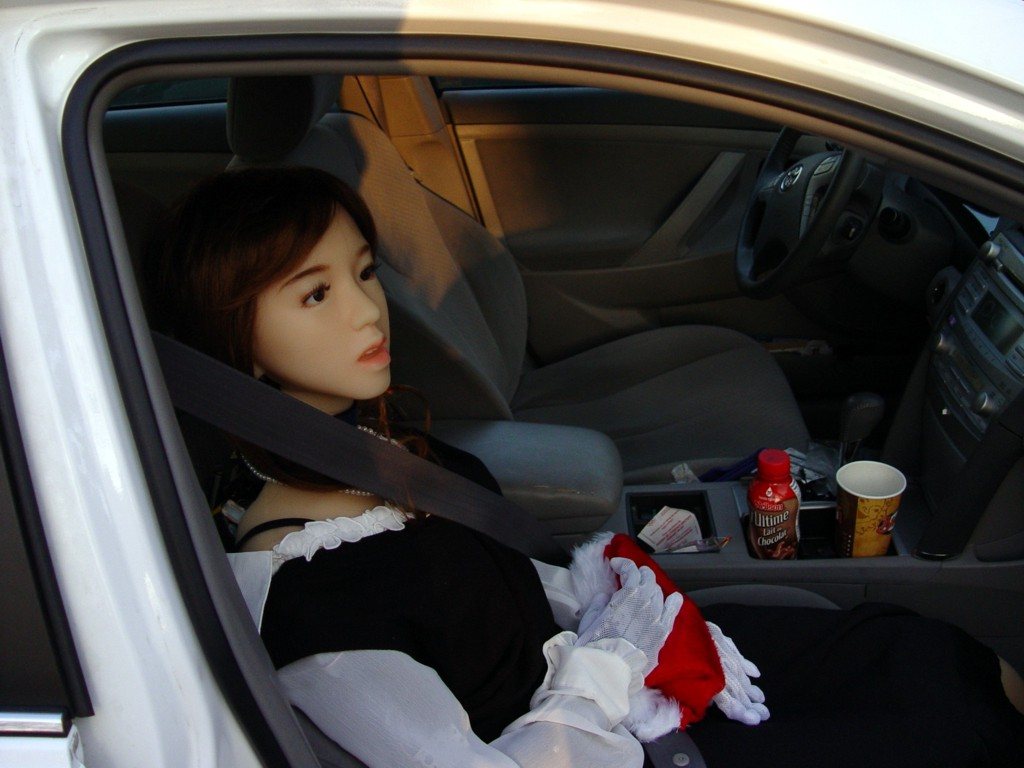 Picture of Aiko inside a car DSC03172