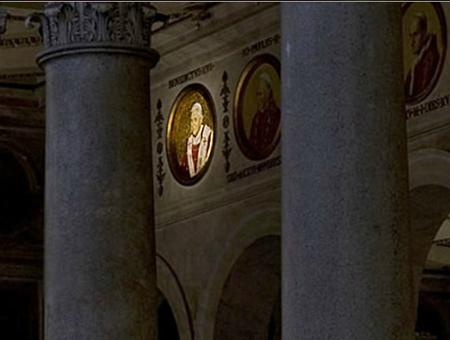 Médaillons des papes: il en reste plusieurs après Benoît XVI Medaillon-benoit-xvi