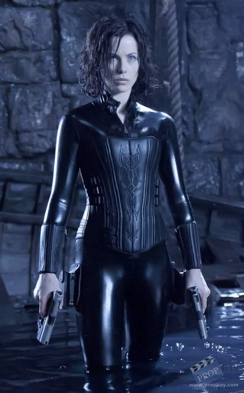 The United States of the Solar System, A.D. 2133 (Deep State Nine) - Page 19 2109d1324325486-selene-kate-beckinsale-costume-kateinunderworld2