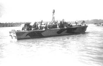Vedettes lance-torpilles PT-BOATS (Pacifique) - Page 3 PT-174-2T