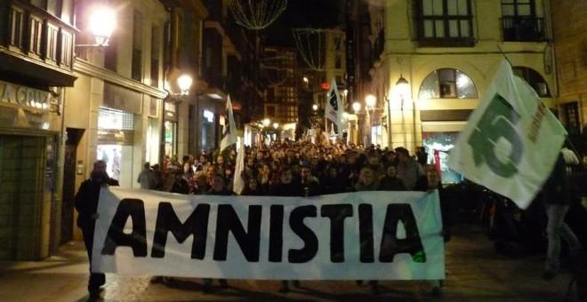 """Euskal Herria: Una multitud exige """"respeto a los derechos"""" de presos y exiliados. [vídeo] - Página 2 569237cb5ea94.r_1452423124320.0-35-900-499"""