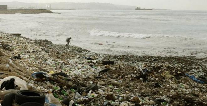 """Basura de plásticos, microplásticos: """"amenaza tóxica para la vida"""" marina. [vídeo] 57ebf1e96e6f9.r_1475094800960.0-33-768-428"""