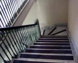 Elige tu aventura - Página 5 Escaleras2