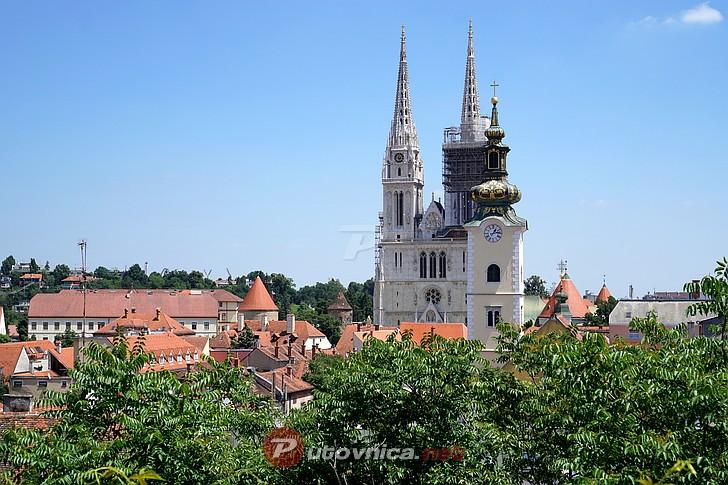 Zagrebačka katedrala Zagreb-pogled-na-katedralu-1