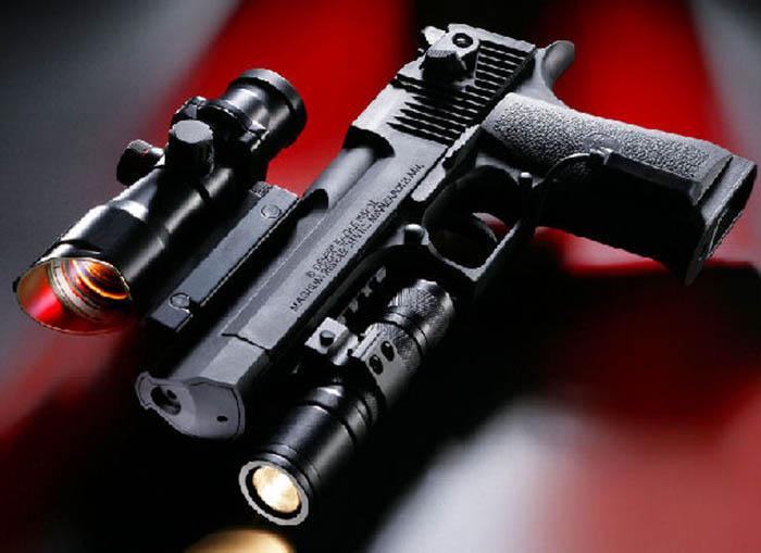Armes de fabrication Israelienne Zmd-desert-eagle2