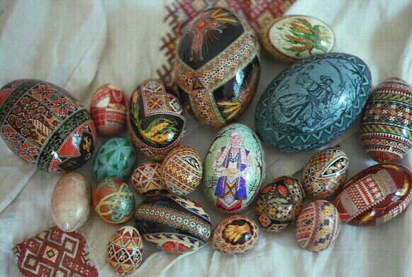 Farbanje jaja kao umetnost Group1