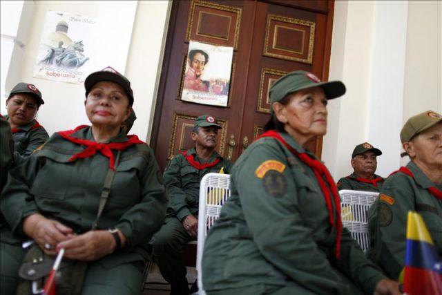 Mujeres en la fuerza Armada Bolivariana!  3942811w-640x640x80