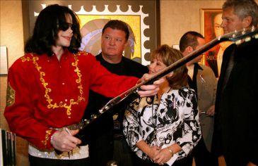 Michael Jackson diventa veicolo di spam 3997325w-365xXx80