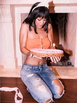 B'Day » Luke 13 Rihanna-instagram-cumpleanos1