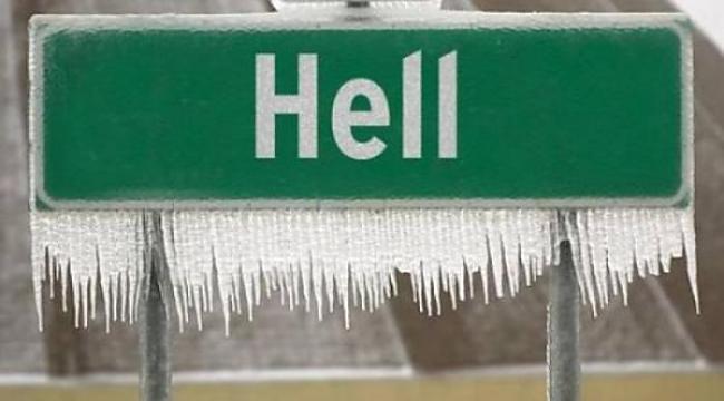 Panneaux comiques - Page 4 Frozen-hell
