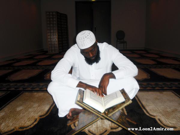 من الغناء والشهرة ... إلى السجود والصلاة قصة إسلام مطرب أمريكي   1261178136amir_4