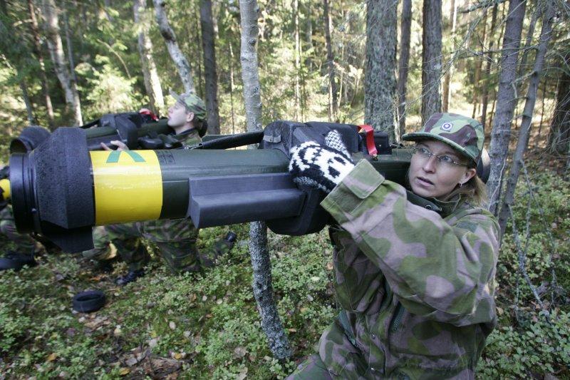 Armée Finlandaise / Finnish Defence Forces / puolustusvoimat _I8O5217_raskas_kertasinko