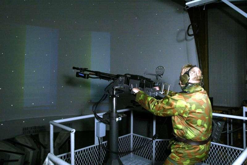 Armée Finlandaise / Finnish Defence Forces / puolustusvoimat Itk_12_7_simulaattori