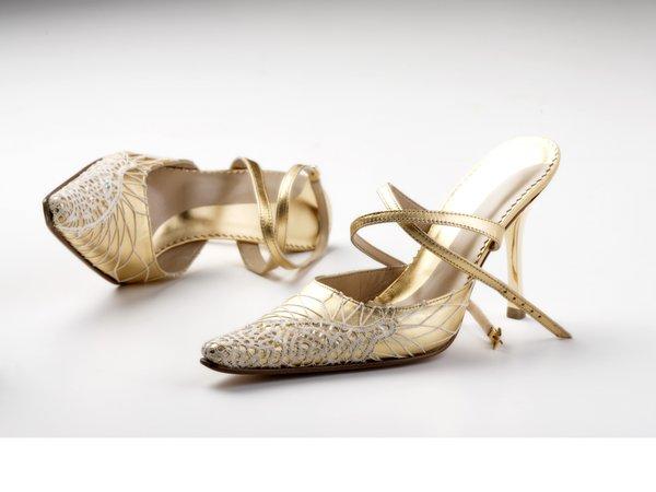 obleke,čevlji in podbno 7937