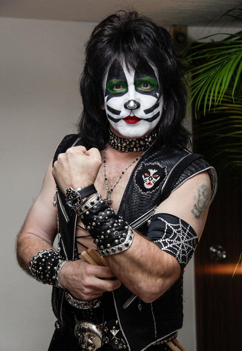 Eric Singer (Kiss) : le fan sous le maquillage Kiss-eric-singer-1