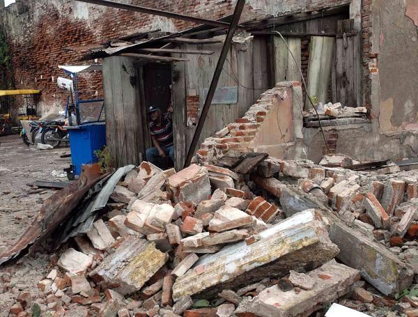 """[Malas noticias] El huracán """"Sandy"""" dejó 11 muertos en su paso por Cuba Huracan-sandy-santiago-de-cuba-2510210-7-foto-miguel-rubiera-justiz"""