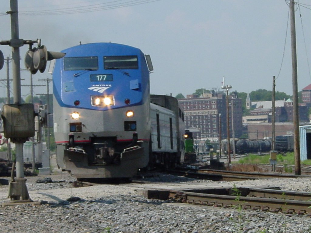 Let's count in images - Page 11 Amtrak-177-pulls-its-train-5200