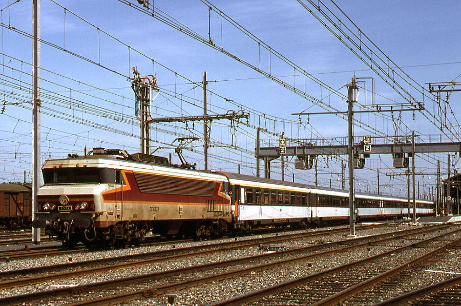 Pk 374,7 : Gare de Montauban Ville Bourbon (82) - Page 3 D_110157XL
